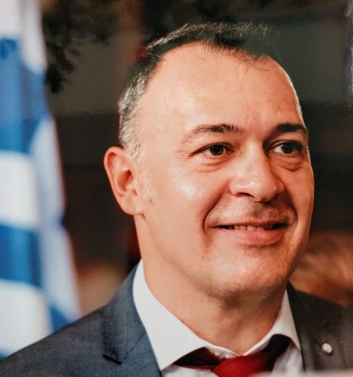 Mr A Louvris